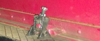 Lokvorbau-Befestigungsbügel